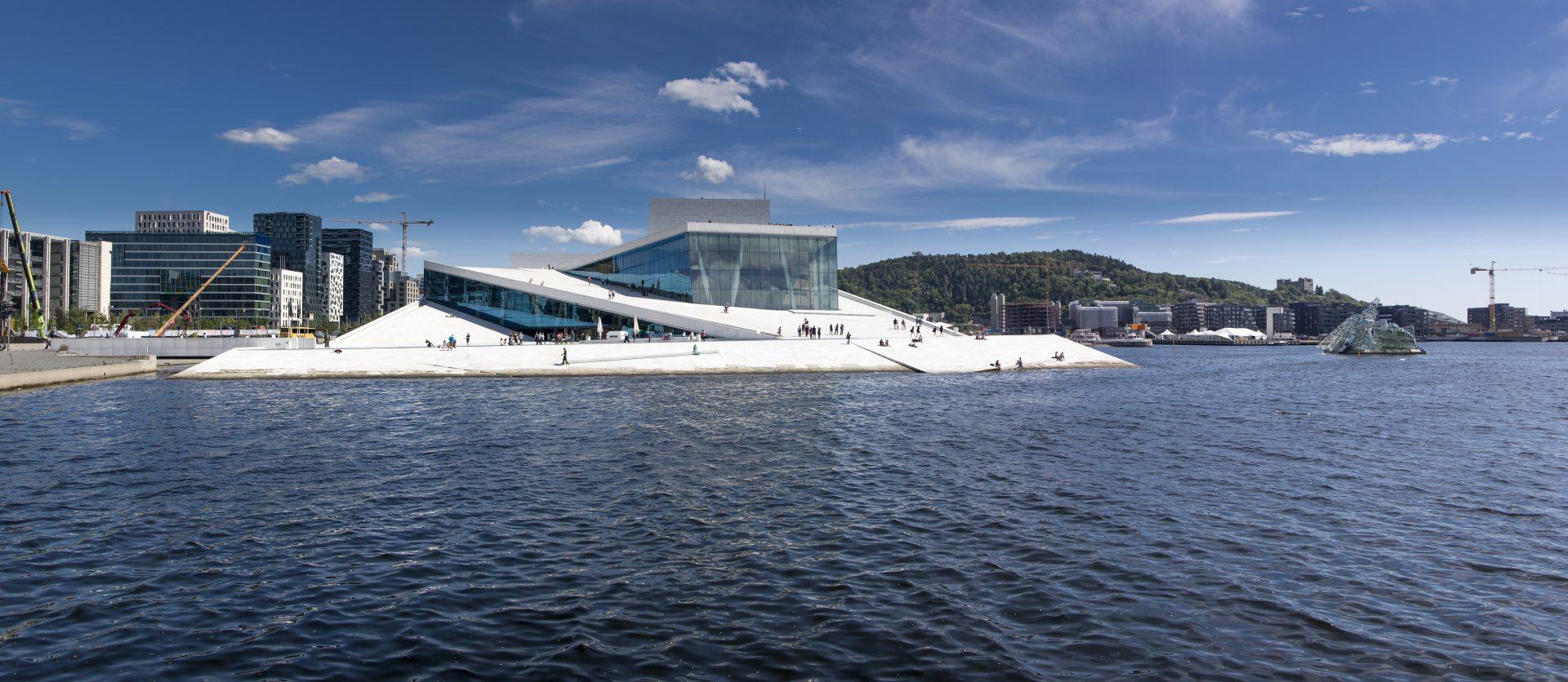 Pure Mathematics in Norway